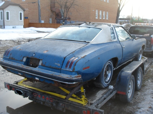 Parting Out: Complete 75 Malibu Classic 2dr Dsc04811