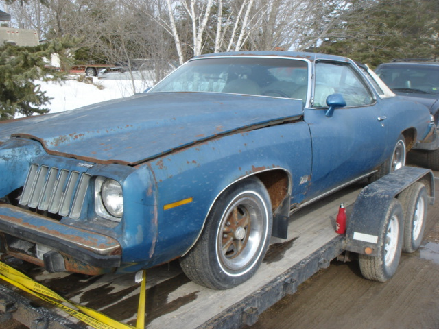 Parting Out: Complete 75 Malibu Classic 2dr Dsc04911