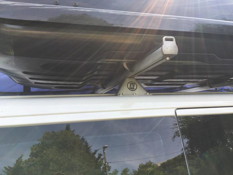 A vendre barre de toit Zoelzer 190 de large Img_1811