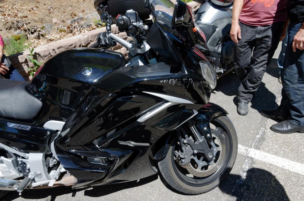La Loose - moto a l'arrêt poussée par une voiture   Dsc_0115