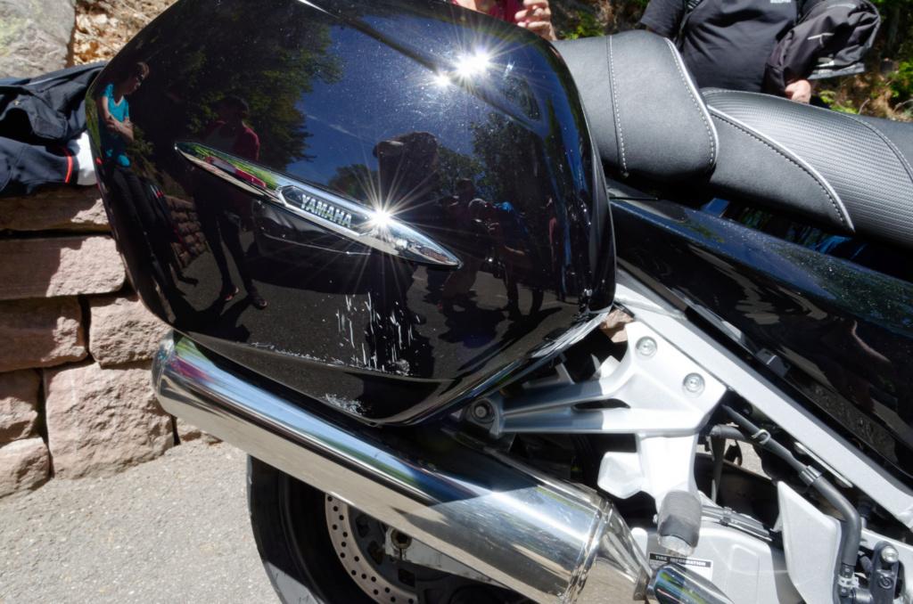 La Loose - moto a l'arrêt poussée par une voiture   Dsc_0117