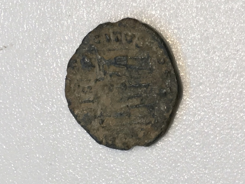 AE4 de Constantino II. GLORIA EXERCITVS Img_5411