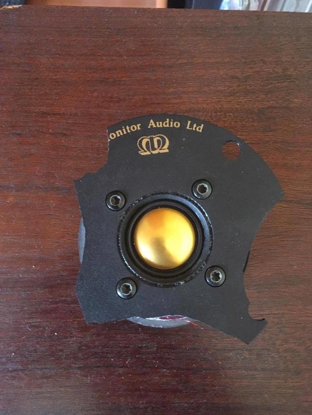 Quais as colunas ideiais para um Audiolab 8000A? 18339510