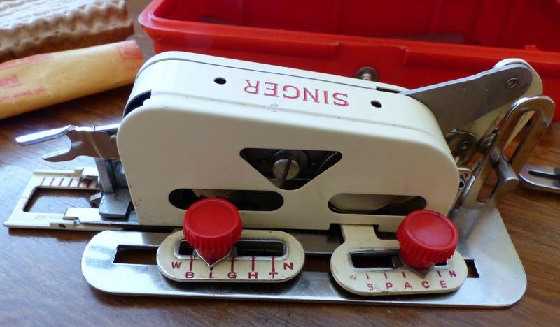 Identification d'accessoires pour des machines à coudre anciennes P1060310