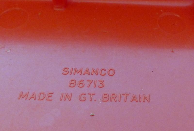 Identification d'accessoires pour des machines à coudre anciennes P1060324