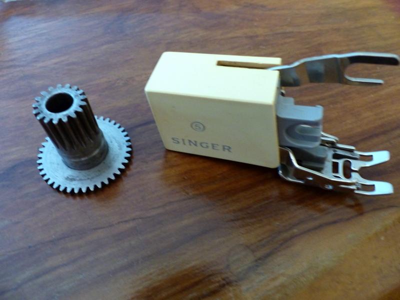 Identification d'accessoires pour des machines à coudre anciennes - Page 2 P1060328