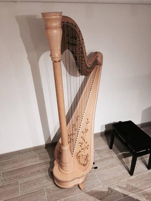 Harpe à pédales Athyna10