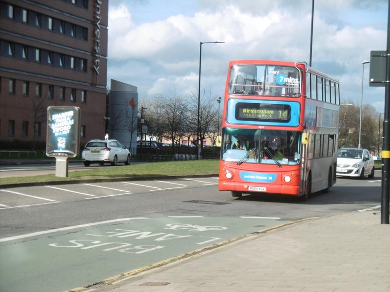 Les cars et bus anglais P1130112