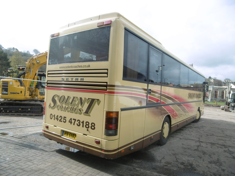 Les cars et bus anglais P1130313