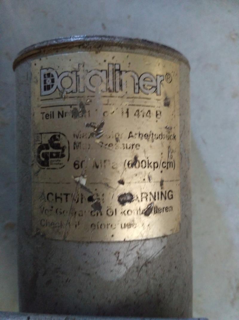 Problème pompe hydraulique à commande pneumatique Img_2010