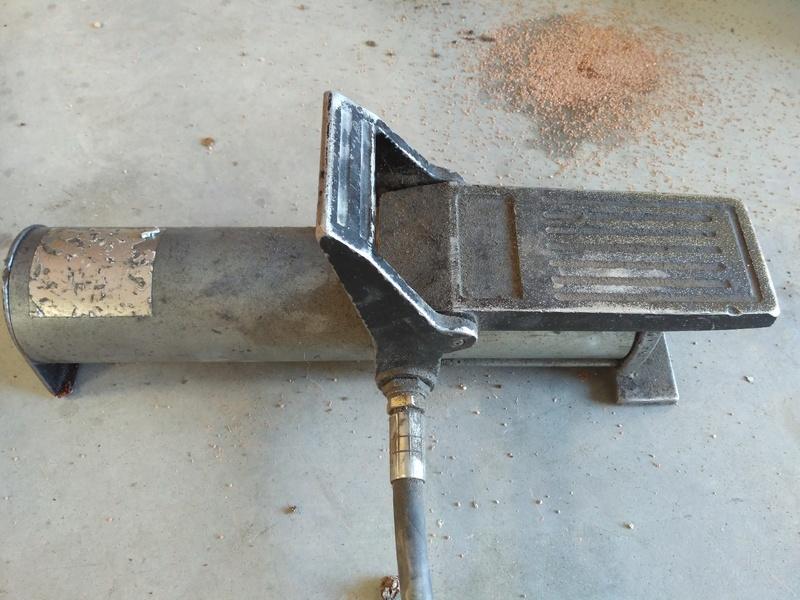 Problème pompe hydraulique à commande pneumatique Img_2011