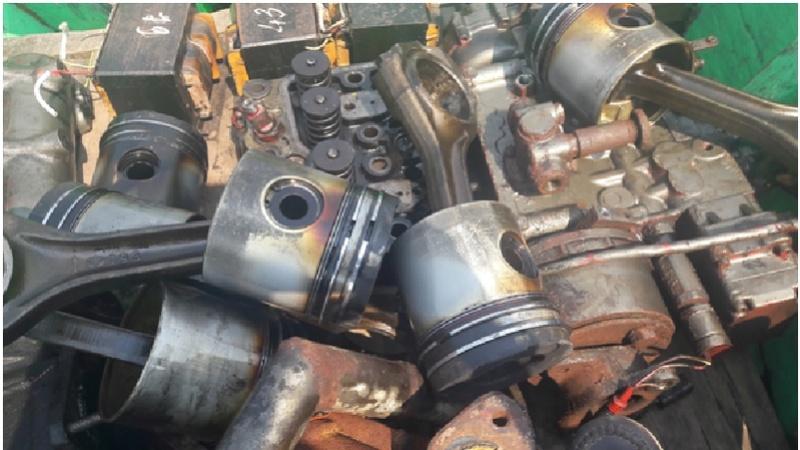 Xin hỏi về nguyên nhân hư hỏng của máy tàu 211