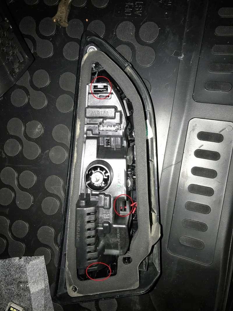 [Brico Astra k] Cambio de luces marcha atrás por unas led. Img_3917