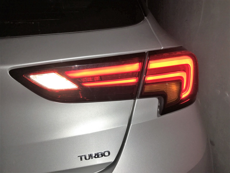 [Brico Astra k] Cambio de luces marcha atrás por unas led. Img_3921
