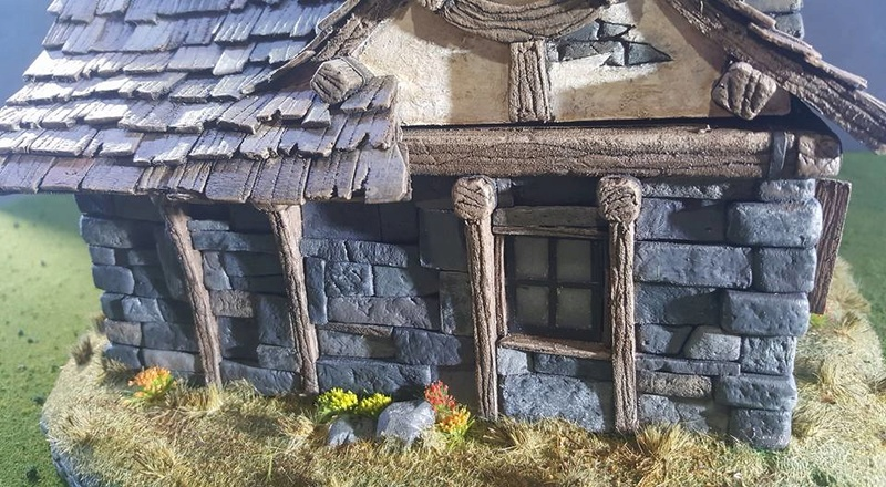 Small Cottage Diorama 13710