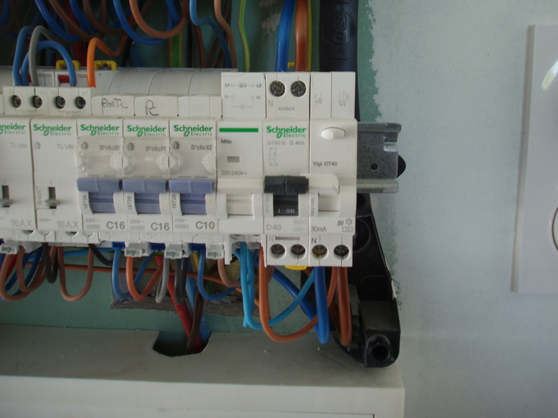 Installation de ma borne Schneider 7 kW par Proxiserve P5151820