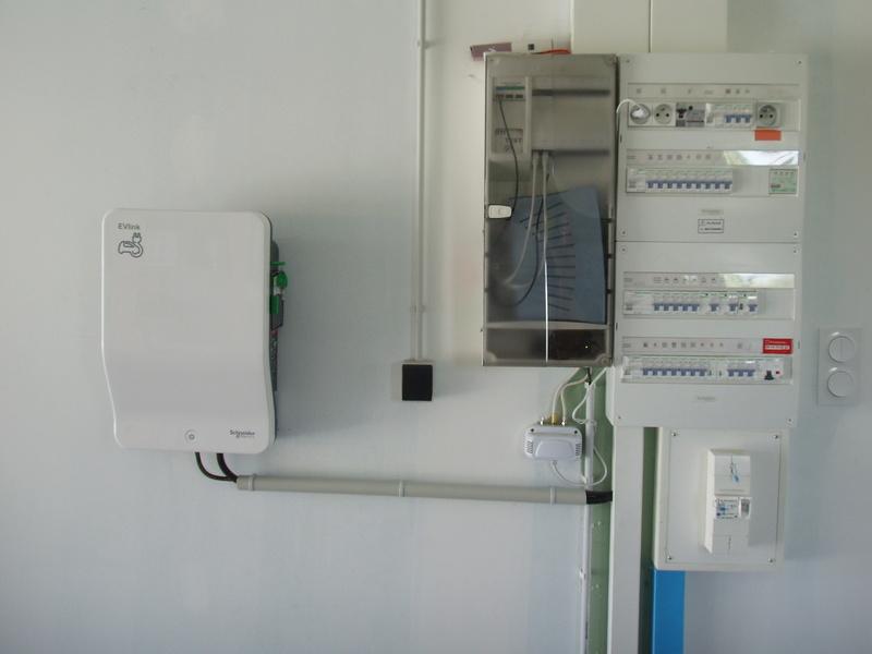 Installation de ma borne Schneider 7 kW par Proxiserve P5151821