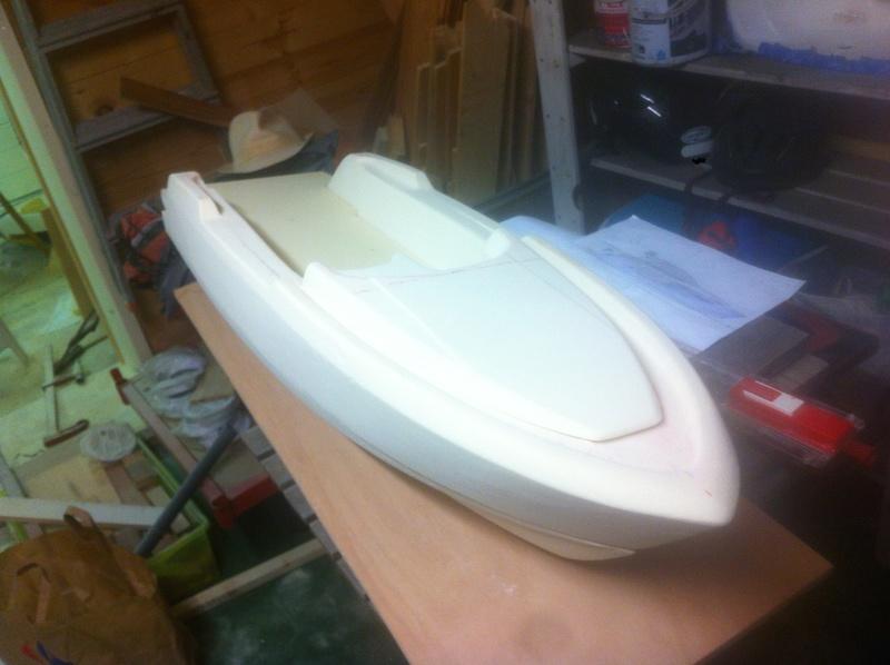 Nouveau projet yacht de plaisance rc en composite fibre de verre par joce. Img_0983