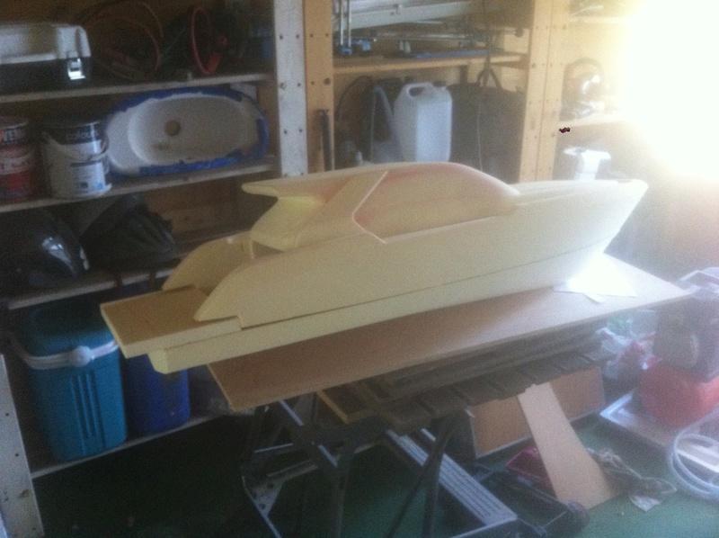 Nouveau projet yacht de plaisance rc en composite fibre de verre par joce. Img_0988