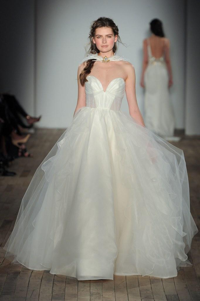 احدث فساتين الزفاف الجديدة  2013