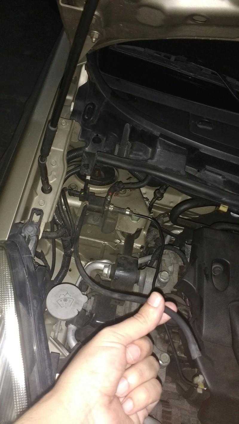 Help - mangueira solta no cofre do motor Img_2010