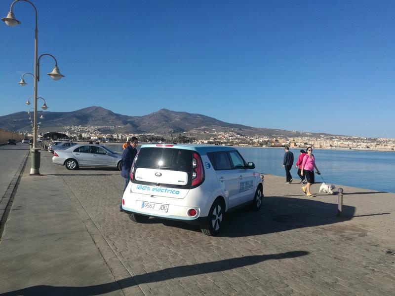 Enrique con un Soul Blanco y Azul desde Melilla Img_2012