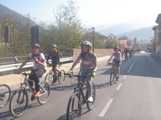 Biciliébana fiesta de la bicicleta 12-4-17 P1010015
