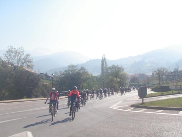 Biciliébana fiesta de la bicicleta 12-4-17 P1010016