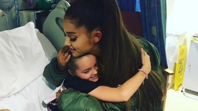 Ariana Grande visitó en el hospital a víctimas del atentado en Manchester Ariana10