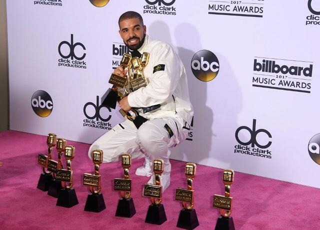 Drake arrasó en los Billboard Music Awards: se llevó 12 premios y superó récord de Adele Drake10