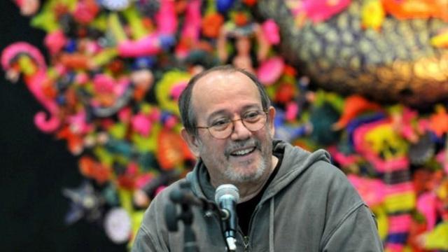 Silvio Rodríguez recibe título de Universidad de las Artes Silvio10