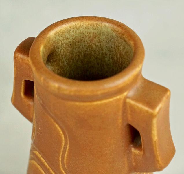 POLLOCK Pottery Handled Vase - Arts & Crafts? Polloc27