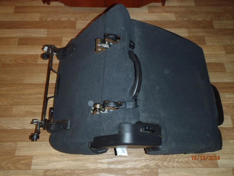 Supplémentaire nouveau fauteuil à la 3e rangée pour Hummer H2. Pc162310