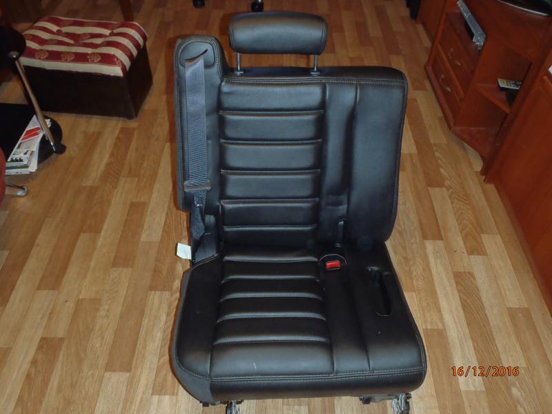 Supplémentaire nouveau fauteuil à la 3e rangée pour Hummer H2. Pc162312
