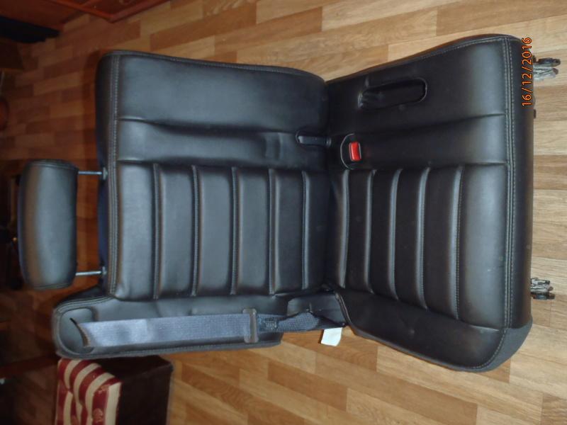 Supplémentaire nouveau fauteuil à la 3e rangée pour Hummer H2. Pc162315