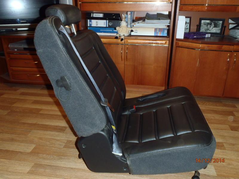 Supplémentaire nouveau fauteuil à la 3e rangée pour Hummer H2. Pc162316