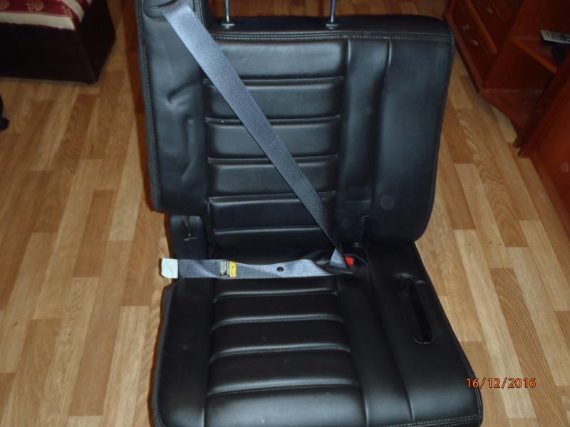 Supplémentaire nouveau fauteuil à la 3e rangée pour Hummer H2. Pc162317
