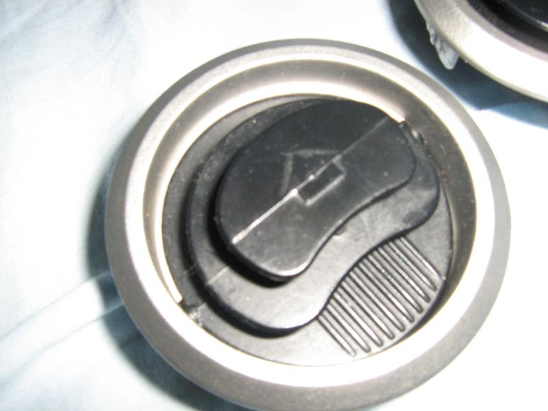 Algumas peças de acabamento e mecânica Img_0710