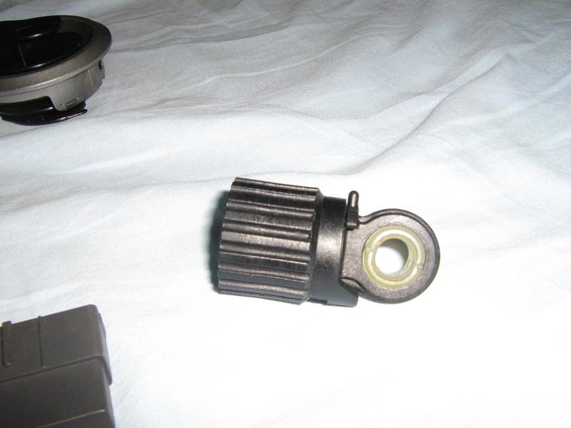 Algumas peças de acabamento e mecânica Img_0713