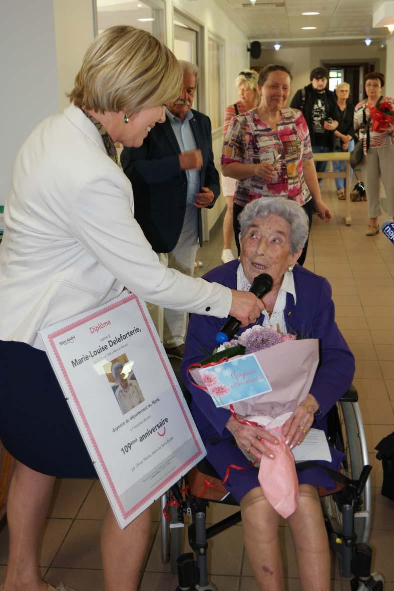 Preuves de vie récentes sur les personnes de 109 ans - Page 5 Sam_3012
