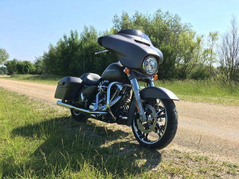 combien de STREET GLIDE  sur le forum Passion-Harley - Page 11 Img_2213