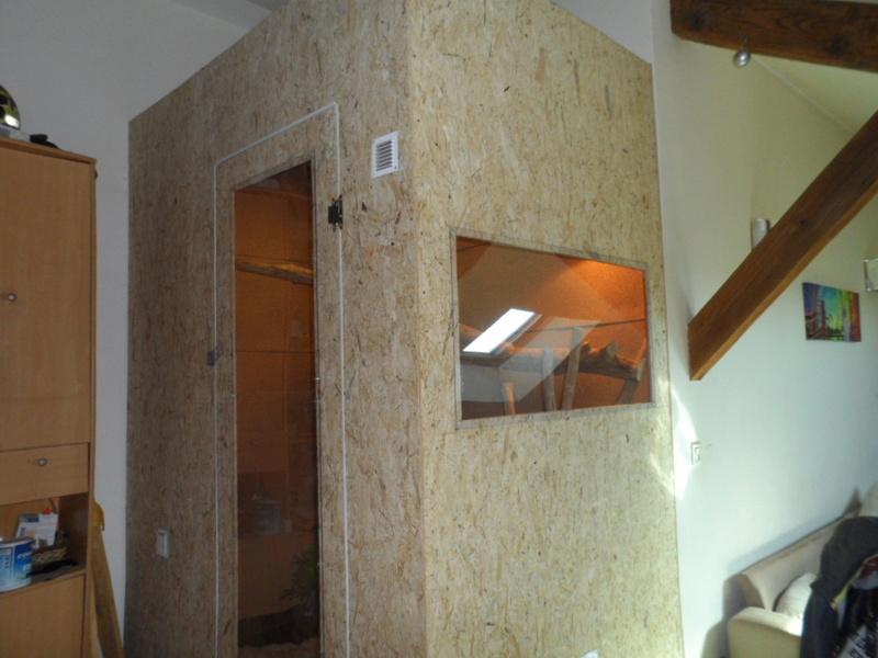 Terrarium maison de mon iguane rouge gaston Sam_0411