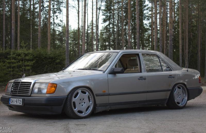 "LarryL: Mercedes-Benz w124 ""Bagged"" Img_3210"