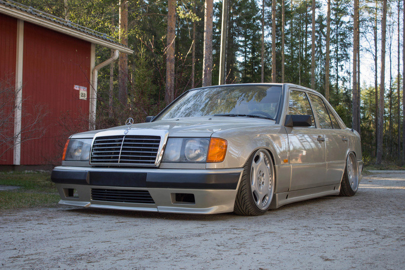 "LarryL: Mercedes-Benz w124 ""Bagged"" Img_4311"