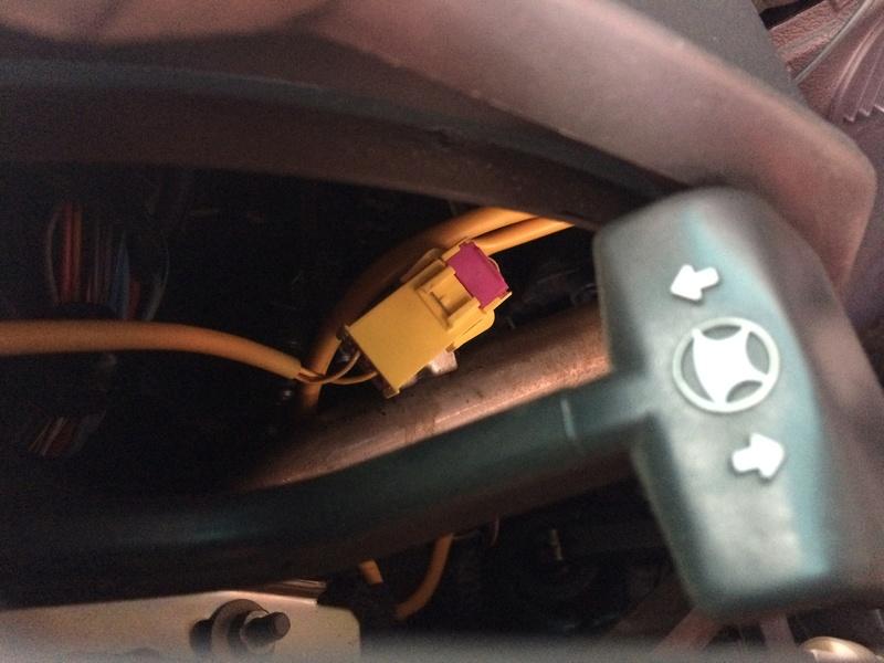 [ Lancia Y 1.2 LS an 1997 ] Problème voyant airbag allumé Img_2411