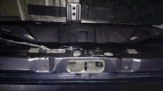 Infiltração (água) no porta malas Versa 20170511