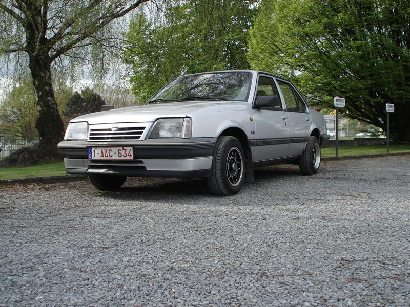 Nos voitures Opel. Dsc05111