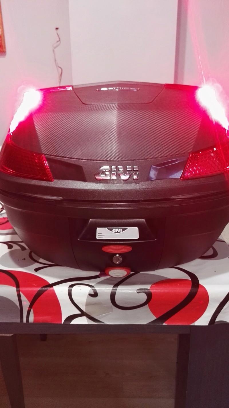instalar luces de stop baul givi blade 37 l. Img_2022