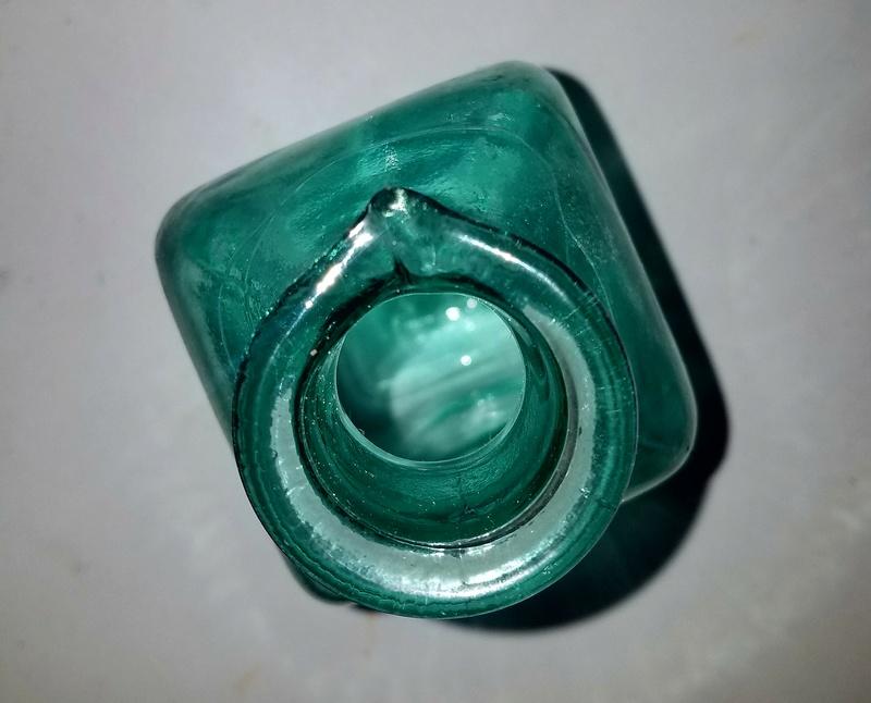 Green glass bottle. Glass ID please... 20170663