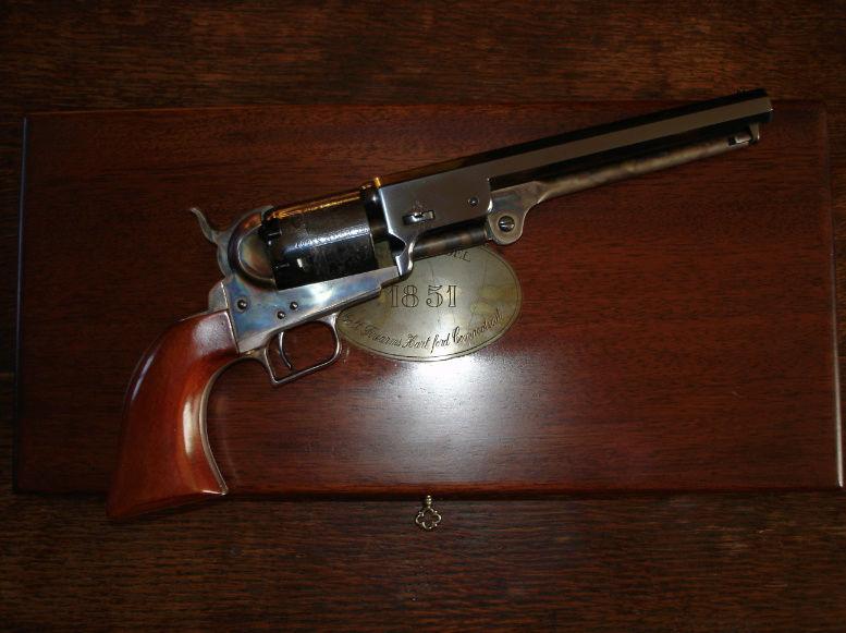 Pot pourri de ma collection Colt_110